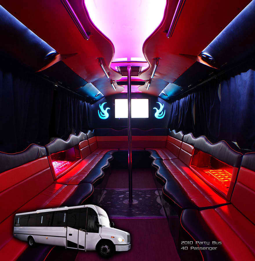 40PEOPLE9_BIG2010partybus